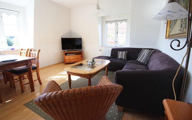 Sofa-Ecke in der Ferienwohnung Langeneß