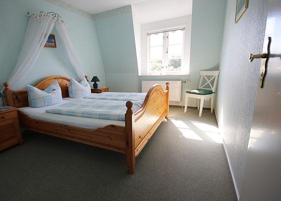 Schlafzimmer in der Ferienwohnung Langeneß