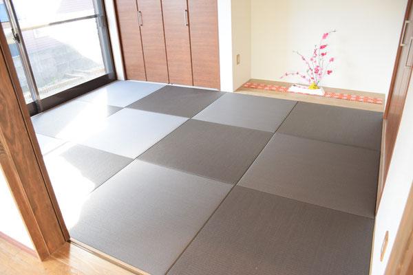 カラー畳を使った和室