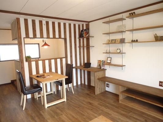 間仕切り壁を取り払い対面キッチンのLDK空間に変更した