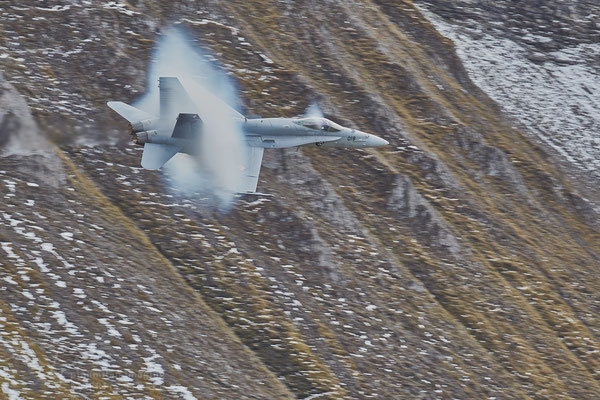 Swiss Air Force F18 Hornet Mach 0.95