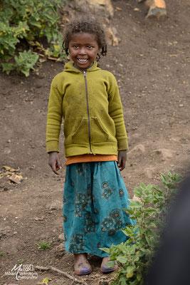 Enfant sur la route des Bale mountains