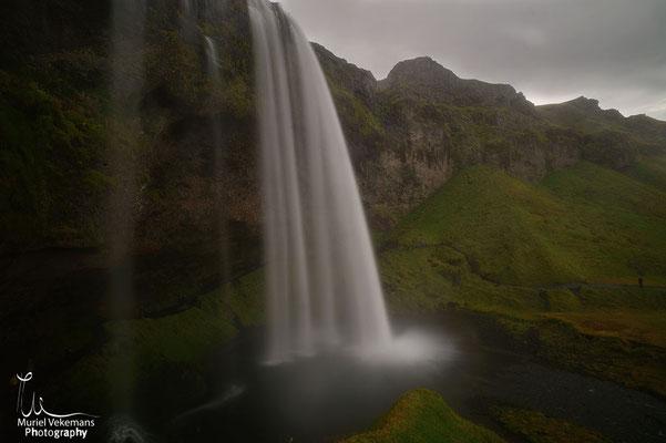 Seljalandfoss cascade