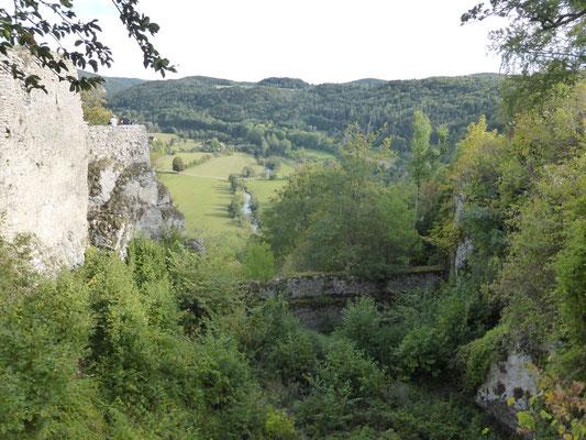 ... Ausblicke in Wiesenttal ...