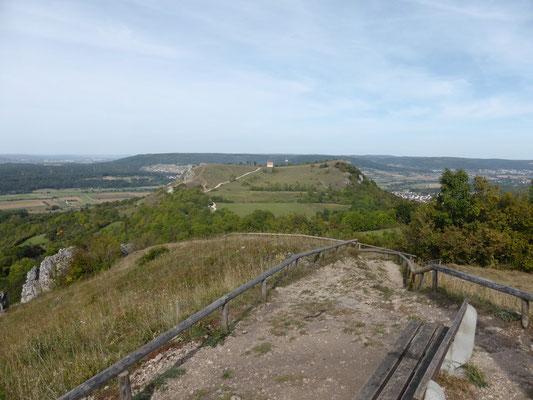 ... mit dem Rodenstein (532 m) ist die höchste Erhebung der Ehrenbürg erreicht ...