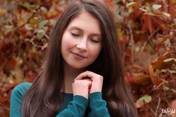 Emotionale Portraits für Frauen in der Natur - Sophie