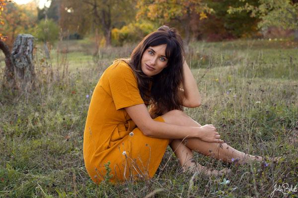Emotionale Portraits für Frauen in der Natur - Katja