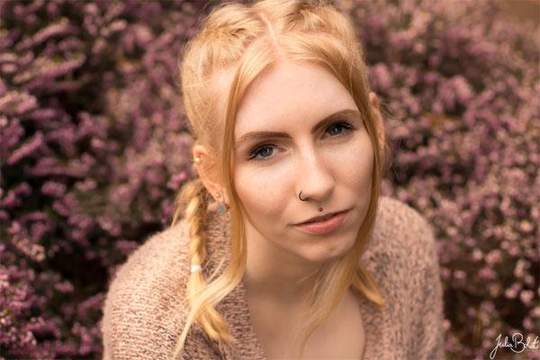 Emotionale Portraits für Frauen in der Natur - Lisa