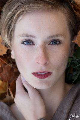 Emotionale Portraits für Frauen in der Natur - Caluna