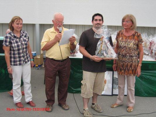 Pierre Altemir récompensé en compagnie de Jacky Gandon et Gisèle Nicolas de la SMAO
