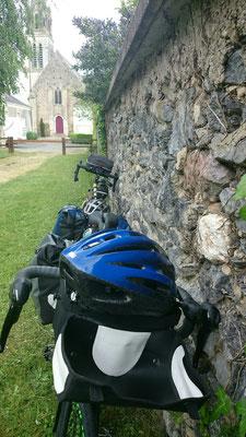 Drei Räder mit Gepäck ohne Rentner