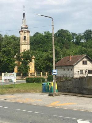 Viele Kirchen sind verfallen, das passt oft nicht zur intakten Infrastruktur