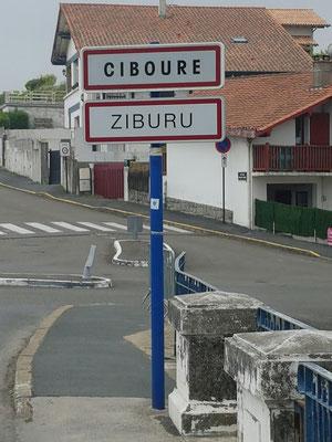 Zweisprachige Schilder