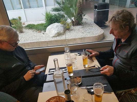 Abendberschäftigung älterer Herren