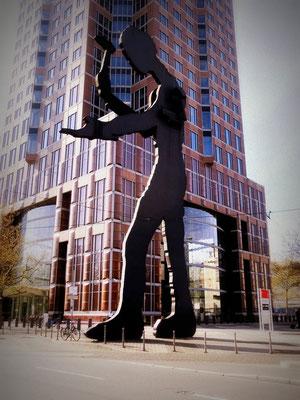 Frankfurt am Main - Hammermann / Messeturm