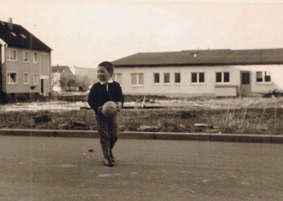 """Jacobstrasse 1969 noch mit freier Sicht auf die """"Lampenbude"""" später Leuchten Schulz"""