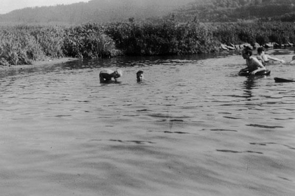 1950 Badevergnügen in der Weser