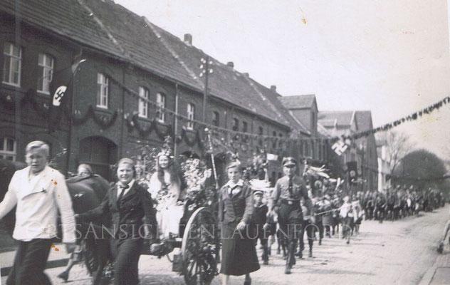 Festzug während der Nazizeit in der Bahnhofstrasse