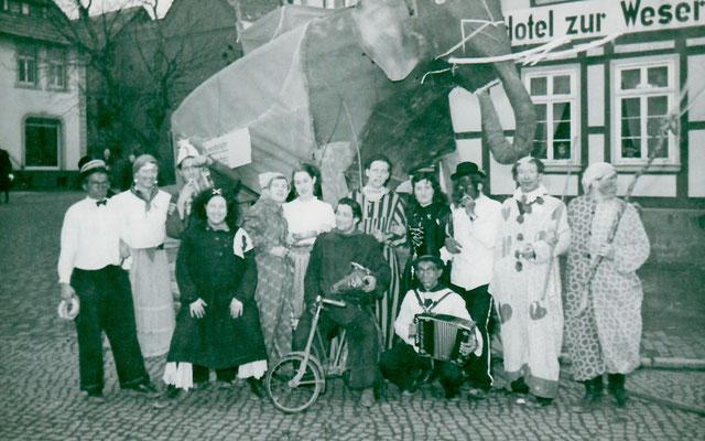 1955, erstmals mit weiblicher Beteiligung