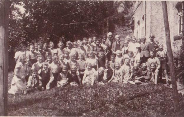 1939/1940 Heinrich Sohnrey zu Besuch in Lauenförde (H.Könecke, H. Sohnrey, Käthe Tewes)