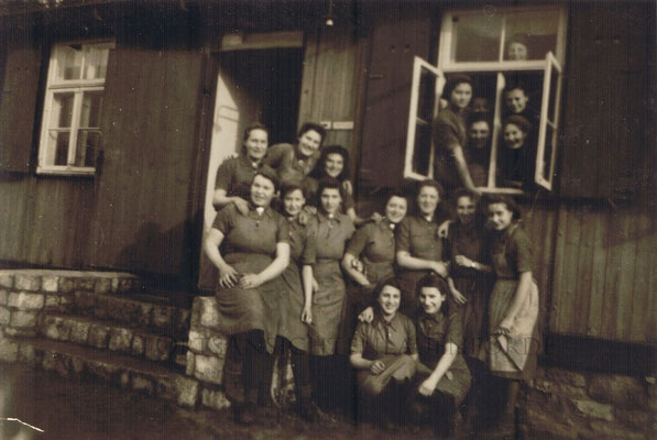 """Die """"Baracken"""" Während des Krieges wurden dort Kriegsgefangene untergebracht, nach dem Krieg dienten sie als erste Unterkunft für Flüchtlinge"""
