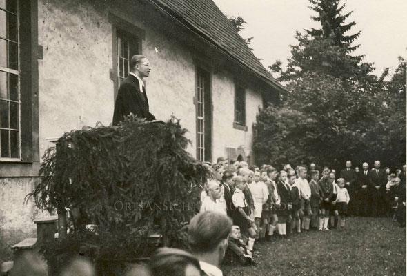 Pastor Ahlert