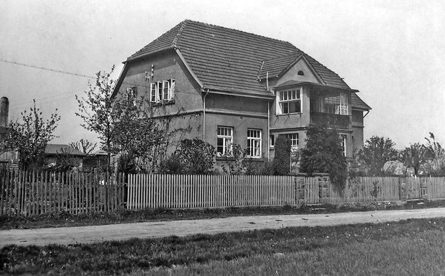 Bruchweg 191 (heute Sohnreystraße 5). Das Wohnhaus von Karl von Wehrden exisierte so bis zum Brand 1951