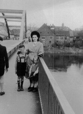 """""""Über die Weserbrücke"""" 1952"""