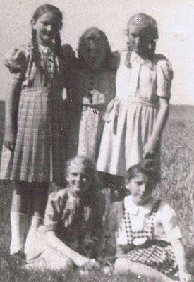 Sommer I Hildegard Steingrebe, Gerda Kappmeier, Elga Eggers, Ingelore Rammenstein und Gerda Steingrebe