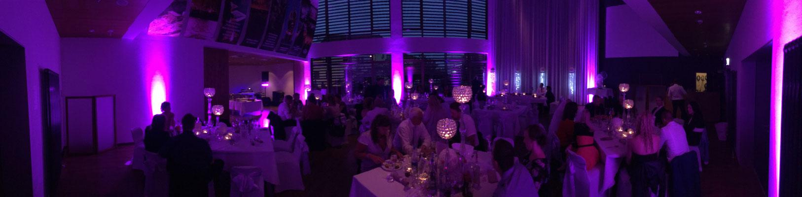 Hochzeit im Deutschen Auswandererhaus - dazu unser Lichtpaket für ein tolles Ambiente