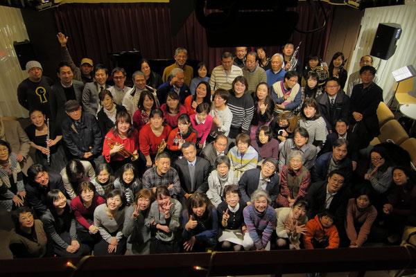 第2部(ナイトタイムコンサート)観客の皆様と記念撮影