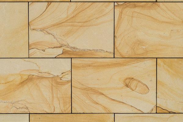 Die Steinquaderimitation mit lebendiger Struktur in Acrylfarbe ist für Fassaden oder Innenräume geeignet