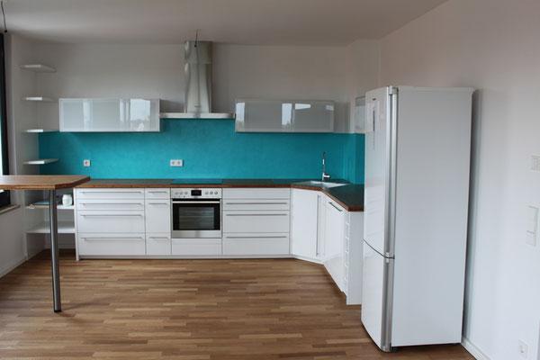 Auch Spachteltechniken in Küchen bieten wir Ihnen an
