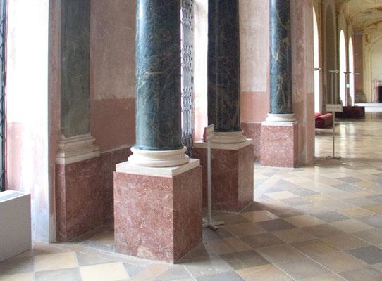 Säulen marmorieren