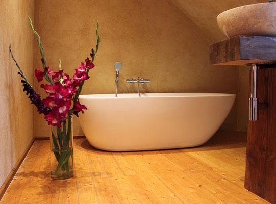 Fugenloses Bad mit diffusionsoffenen Mineralspachtel