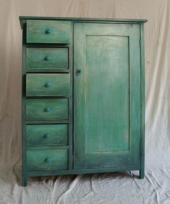 Vintage Möbel können Sie ganz einfach selber machen. Bei uns lernen Sie an nur einem Tag wie es geht