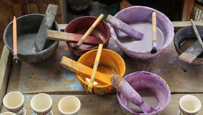 Es macht viel Spaß die Farben selber herzustellen und sich wie in der Werkstatt eines Alten Meisters zu fühlen