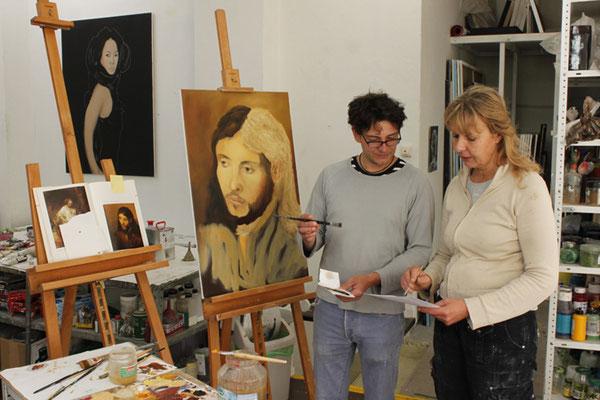 Schritt für Schritt erhält er die notwendige Anleitung um sein künstlerisches Vorhaben zu realisieren