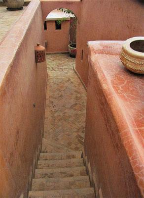 In Marokko wird der Tadelakt auch im Aussenbereich verarbeitet