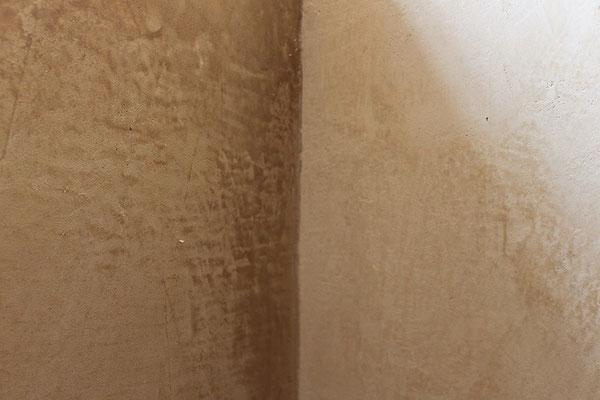 Wandspachteltechnik in Kalkglätte