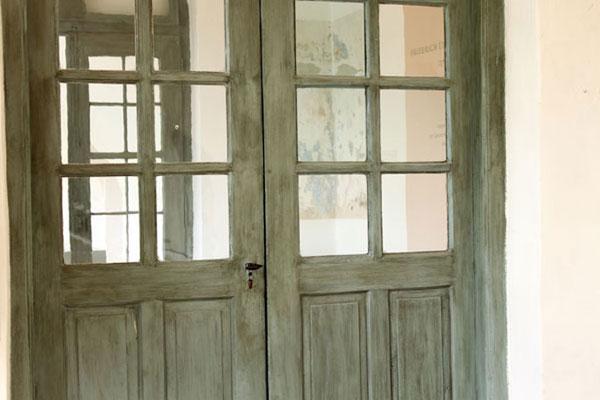 Italienischer Landhausstil - mit Veroneser Grüne Erde lasierte Holztüre