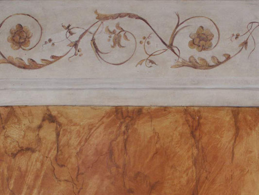 Gemalte Ornamentik und Marmorimitation