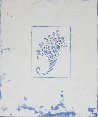 Das Füllhorn enthällt die Früchte des Lebens, ein Dekor in weißer Kalkglätte auf Blauer Wandfarbe