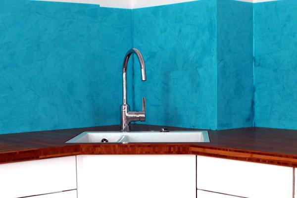 Stucco Lustro - Kalkpresstechnik in einer Küche