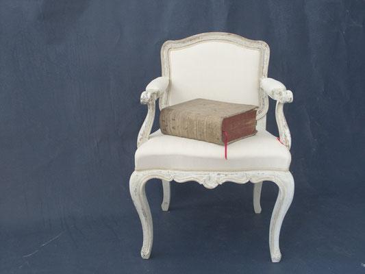 Wir helfen Ihnen und gestalten Ihre Möbel in neuen Farbtönen