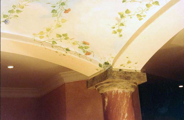 Deckenmalerei in einem Wellnessbereich um den Raum im Untergeschoss attraktiver zu machen