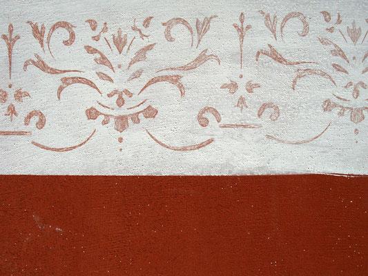 Durch die Einfachheit eignet sich diese Renaissance-Bordüre ideal für klassiche Wandgestaltungen