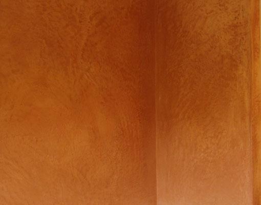 Die Wandoberflächen erhalten wunderschöne Texturen die zum Anfassen und Berühren verführen.
