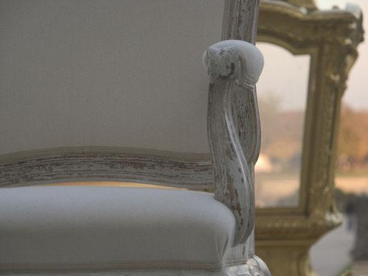 Lassen Sie Ihre alten Möbel neu bemalen