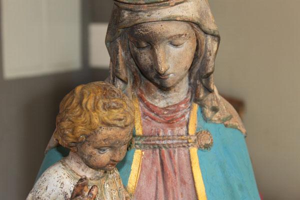 Jetzt strahlt die fertig restaurierte Madonna mit Kind wieder in ihrem Glanz